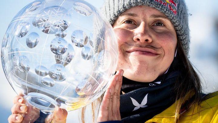 Královna Samková. Snowboardcrossařka potřetí vyhrála anketu, korunoval ji partner; Zdroj foto: FIS-SKI.com