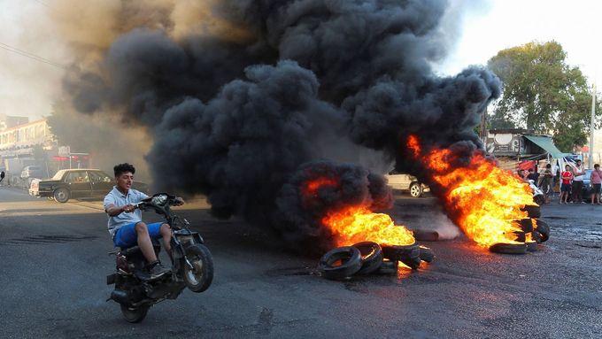 Nepokoje v Bejrútu, hlavním městě Libanonu.