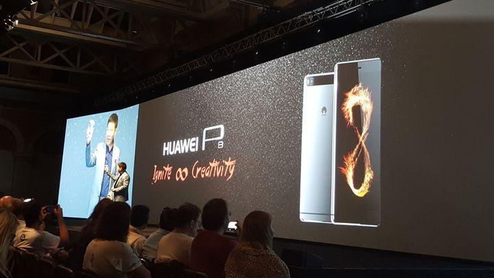 Ovládání klouby a lepší cena. Nový Huawei míří na nejlepší