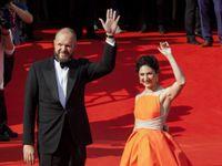Fotky: Dafoe, Bartoška i Geislerová. Hvězdy na červeném koberci zahájily festival ve Varech