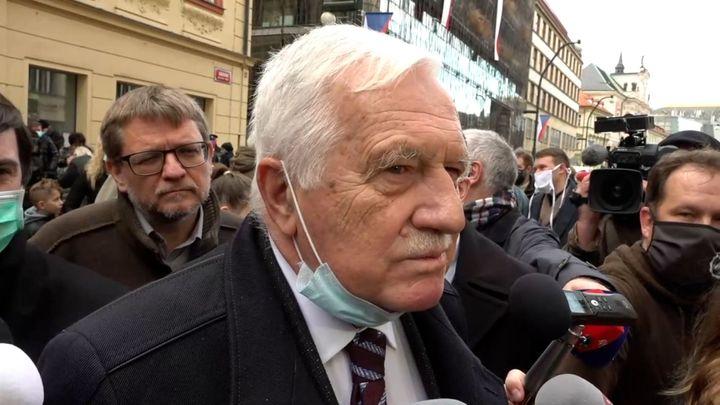 Klaus se ohradil proti spojení s dezinformátory, po ministrovi žádá stažení textu