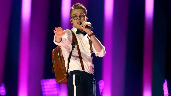 Úspěch české hudby. Zpěvák Mikolas Josef jako teprve druhý Čech postoupil do finále Eurovize