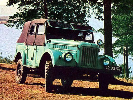 GAZ 69A se čtyřmi dveřmi a pěti místy k sezení.