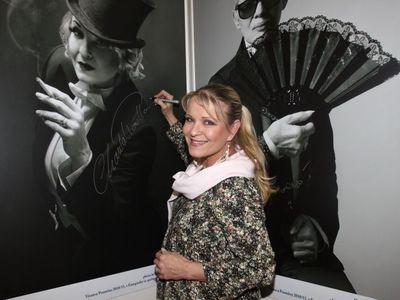 Estetická klinika dala Chantal Poullain pásku přes oči. Zesměšnila ji, zaplatí odškodné