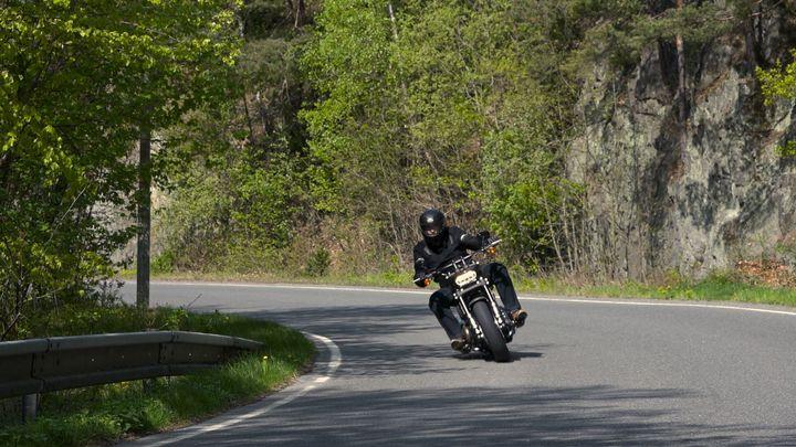 Video: Řídili jsme nový Harley-Davidson Fat Bob. Dokonale žehlí české silnice