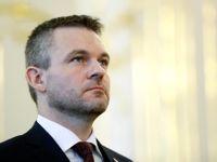 Slovenský premiér Pellegrini měl nehodu, jeho auto se srazilo s jelenem