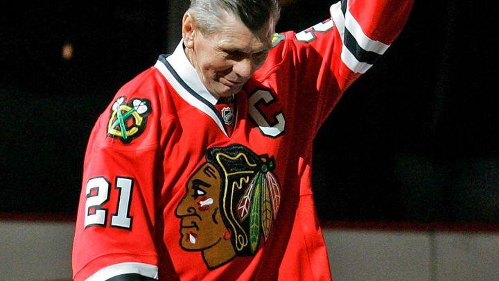 V osmi opustil Československo, v Chicagu je legendou. Mikita by slavil osmdesátku