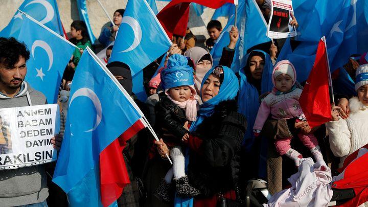 Únik dat ze Šanghaje odhalil systém sledování Ujgurů i cizinců komunistickou vládou