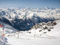 Kam vyrazit v zimě na lyže? Tohle je 15 nejzajímavějších areálů v okolí Česka