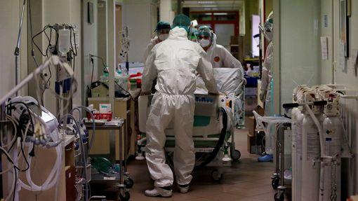 Nemocnice v Náchodě je na hraně kapacity