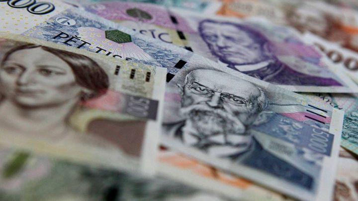 Nejhůř fungující měna světa je teď česká koruna, píší v USA
