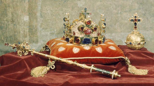 73bfec32e Hrad pro velký zájem vystaví korunovační klenoty zdarma ve ...