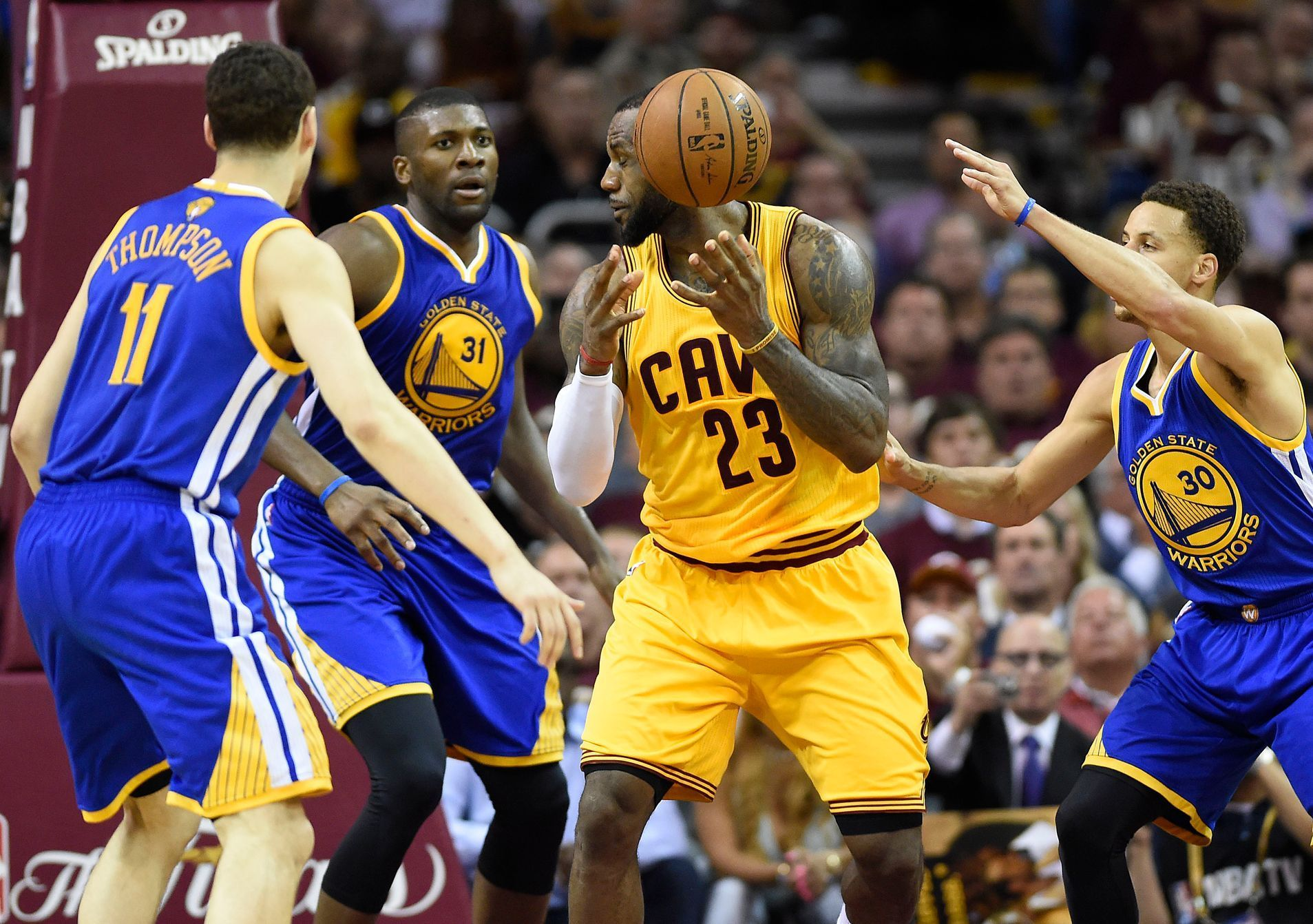 NBA, Golden State - Cleveland Cavaliers: Klay Thompson (11), Stephen Curry (30) - LeBron James (23)