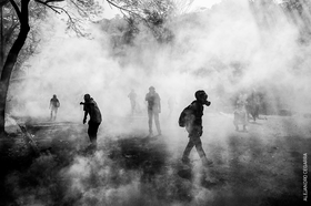 Chudoba, násilí, beznaděj. Venezuela očima fotografa s nominací na World Press Photo