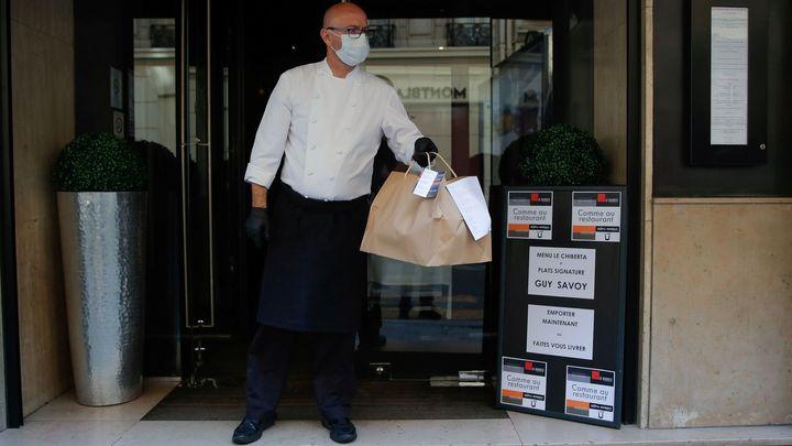 Zájem o dovoz jídla po otevření restaurací moc neklesne