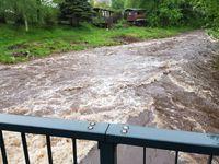 Vydatné srážky na severu a východě zvedají hladiny řek, pršet má i zítra