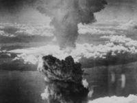 Zkáza z nebes. Co se před 70 lety psalo o Hirošimě