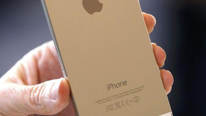 Prvenství pro Prahu. Apple otevře první obchod v regionu