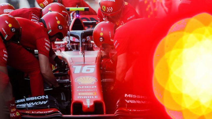 Formule 1 ve slevě? V tanci miliard se radikálním úsporám nejvíc zpěčuje Ferrari