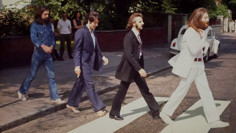 Fanoušci The Beatles se sešli na slavné Abbey Road