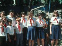 Pionýrský tábor Artěk vzkvétá, turistika na Krymu nikoliv