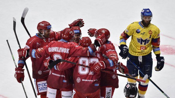 Třinec začal obhajobu hladkou výhrou, Krejčí po svém návratu čekal na gól jen třetinu; Zdroj foto: ČTK