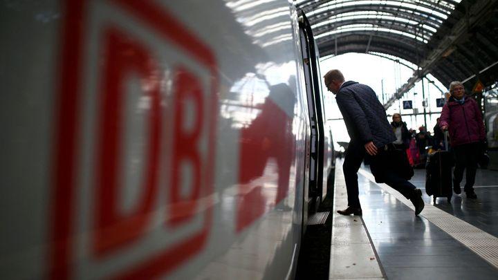 V Německu už nejezdí ani osobní vlaky. Stávka se dotýká i ČR