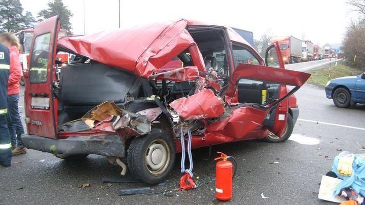 Pojišťovna musí řidiči po nehodě zaplatit všechny opravy