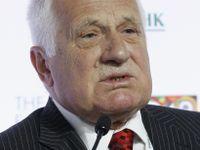 Klaus spustil petici proti imigraci. Populismus, zní z vlády