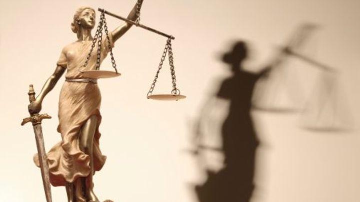 Stát nesmí tajit platy zaměstnanců veřejné sféry, řekl soud
