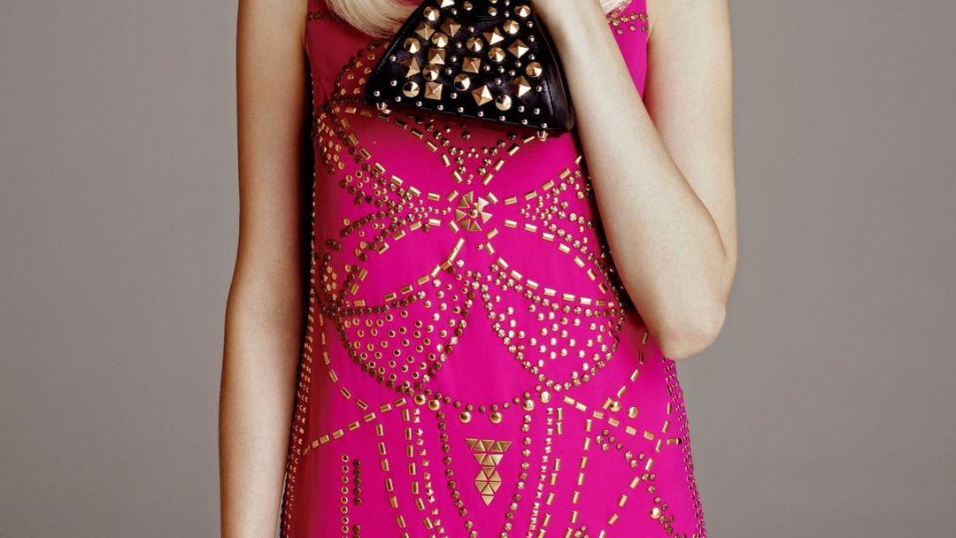 c3974722fc91 Kolekce Versace pro H je módní událostí. Je plná výrazných modelů
