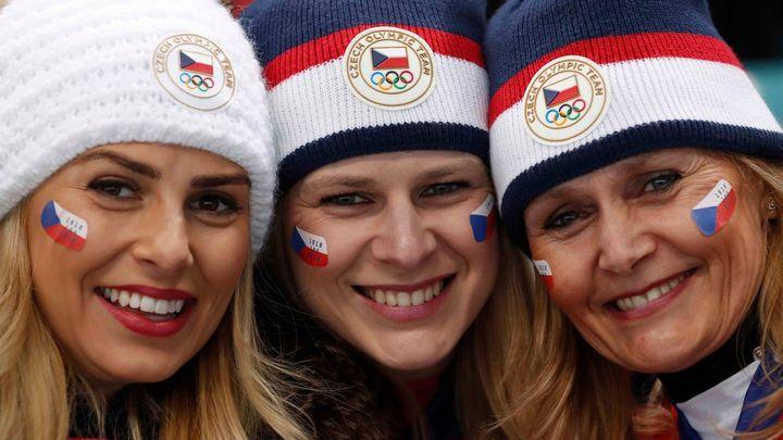 Tak se fandilo na olympiádě: Půvabné Češky, souboj korejských fanynek i podivné klobouky
