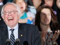 Živě: Sanders v New Hampshire převálcoval Clintonovou