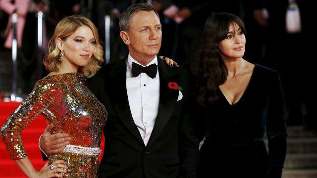 498303e33cba Bond. James Bond