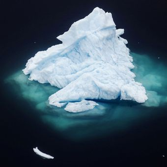 Obrazem: Ledovce v Grónsku mizí. Odlamují se z nich kusy velké jako dolní Manhattan