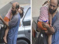 Zoufalý Syřan prodával propisky. Díky Twitteru má milion