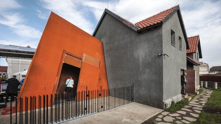 Foto: Místo tak prosté, až vás zamrazí. Palachův dům se proměnil v působivý památník