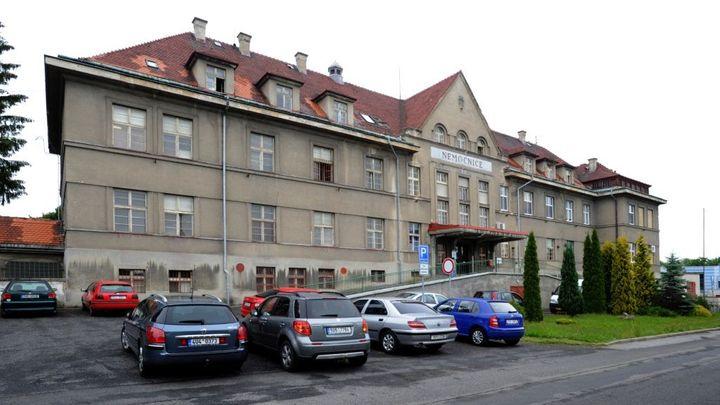 Nemocnice v Rumburku skončí v insolvenci. Zadlužené zařízení již nemá na výplaty