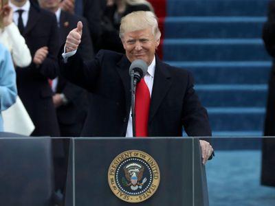 Červená kravata u Trumpa? Ukazuje tím, že si je jistý, chová se jako vítěz, říká Hašková Coolidge