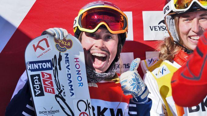 Skvělá Samková. Snowboardcrossařka vyrazila za obhajobou, vyhrála kvalifikaci
