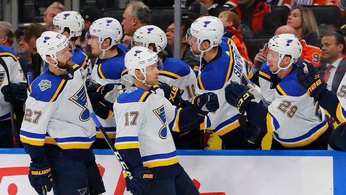 Alex Pietrangelo slaví branku St. Louis Blues