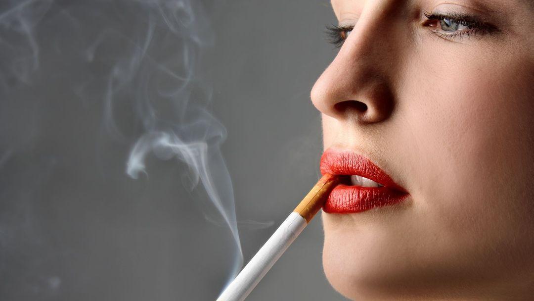 Muži kouření videa