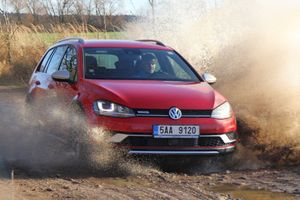 VW Golf Alltrack titul