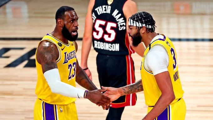 Anthony Davis a LeBron James ve finále NBA 2020