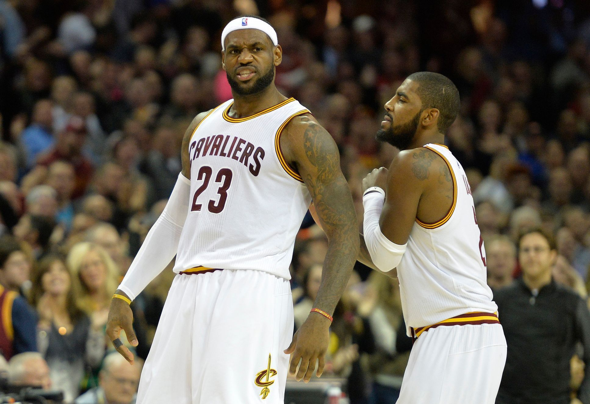 Cleveland Cavaliers (Lebron James a Kyrie Irving)