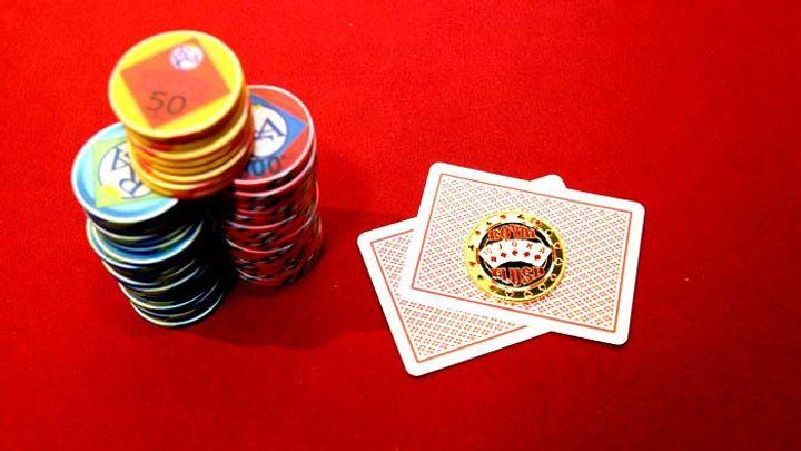 Největší provozovatelé online pokeru mění majitele