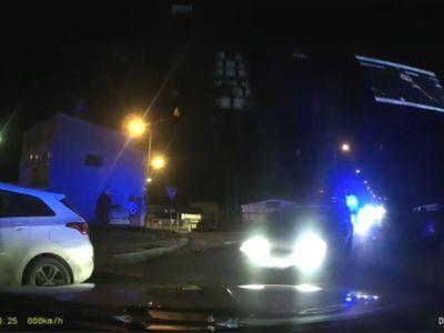 Muž ujížděl policistům v Praze stokilometrovou rychlostí. Nezastavily ho ani výstřely