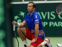 Starý Davis Cup v troskách, revoluce prošla. Je to tragická zpráva, smutní Černošek