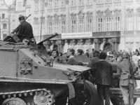 Obětí okupace v srpnu 1968 bylo 137, tvrdí historici. Uhořely nebo je zavraždili vojáci