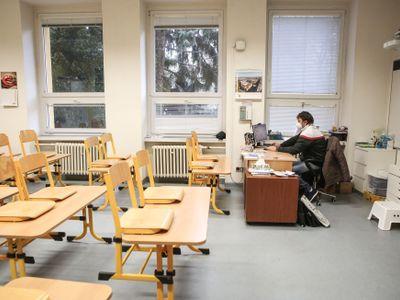Od pondělí se vrátí do školy rotačně žáci ZŠ ve všech krajích, plně se otevřou školky